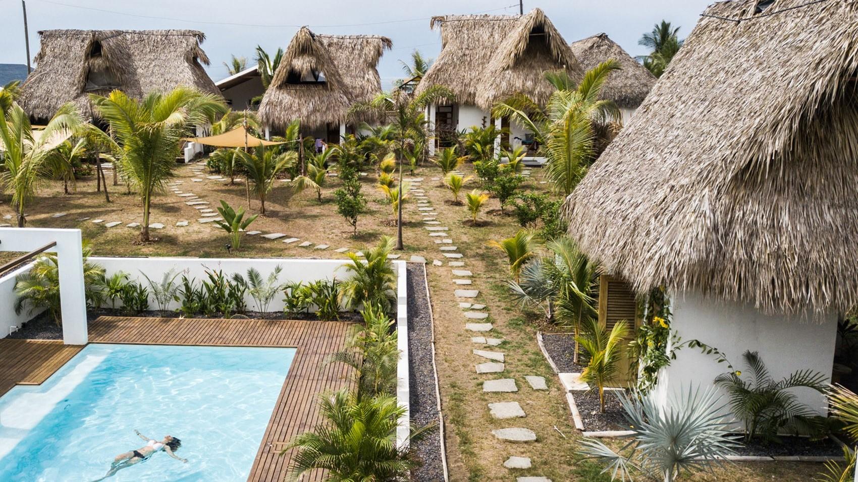 危地马拉的水疗度假酒店:泳池套房与别墅打造海滨度假胜地